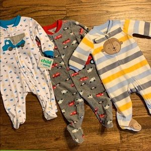 0-3m boy bundle Carter's pajama footies